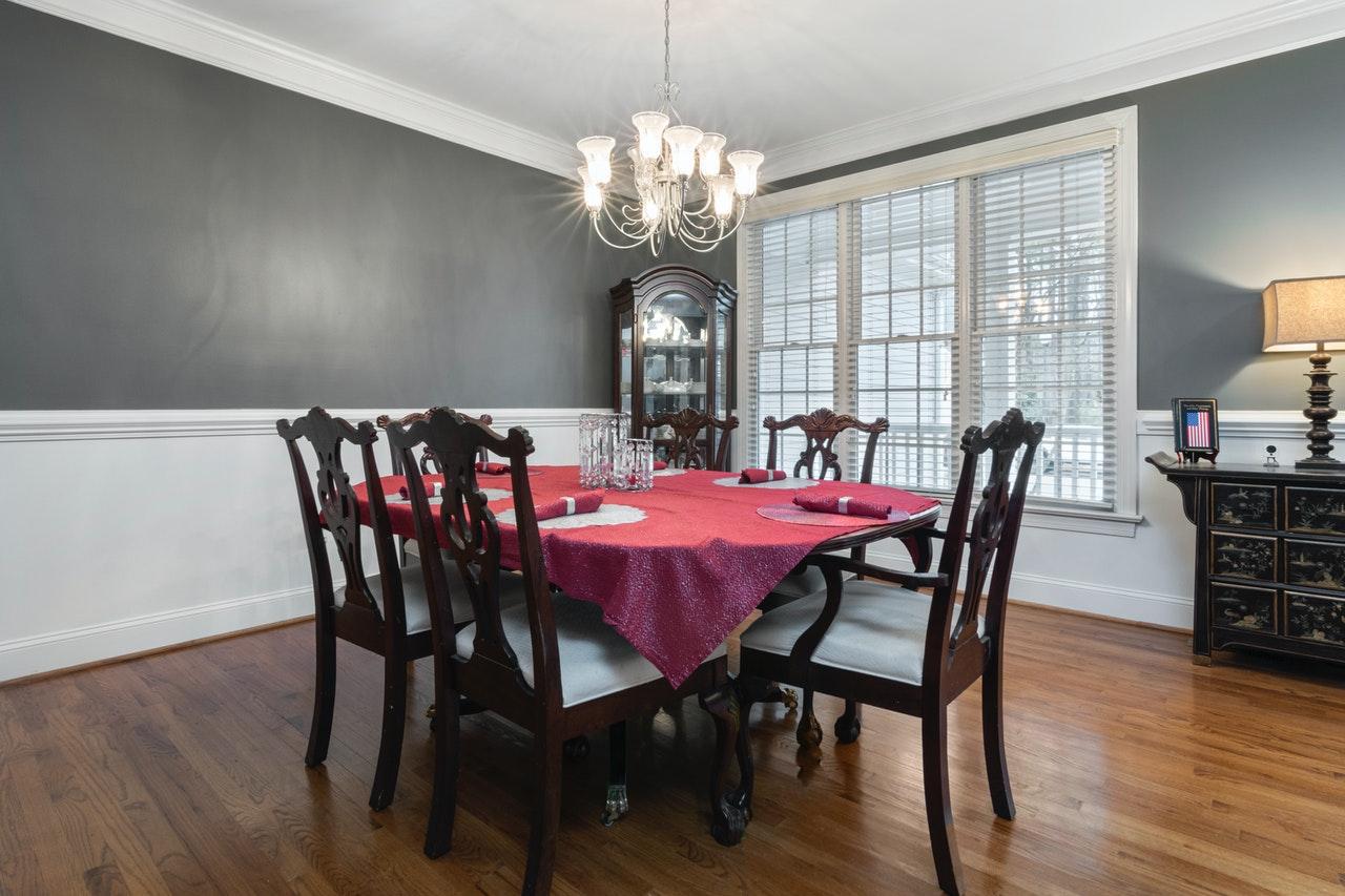 Cách chọn bộ bàn ghế ăn phù hợp với không gian nội thất